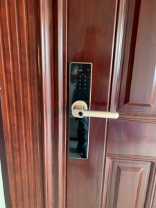 Những điều cần biết trước khi mua & lắp đặt khóa cửa nhà thông minh (1)